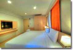 CLICK TO ENLARGE PHOTO DELUXE ROOM